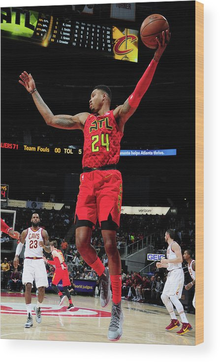 Atlanta Wood Print featuring the photograph Kent Bazemore by Scott Cunningham