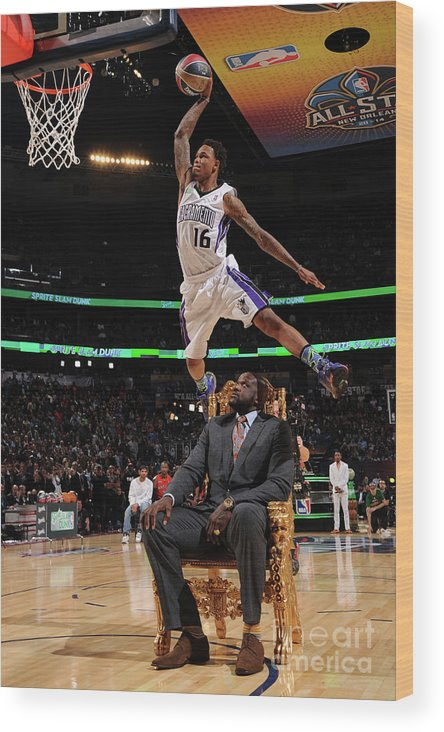 Smoothie King Center Wood Print featuring the photograph Ben Mclemore and Shaquille O'neal by Andrew D. Bernstein