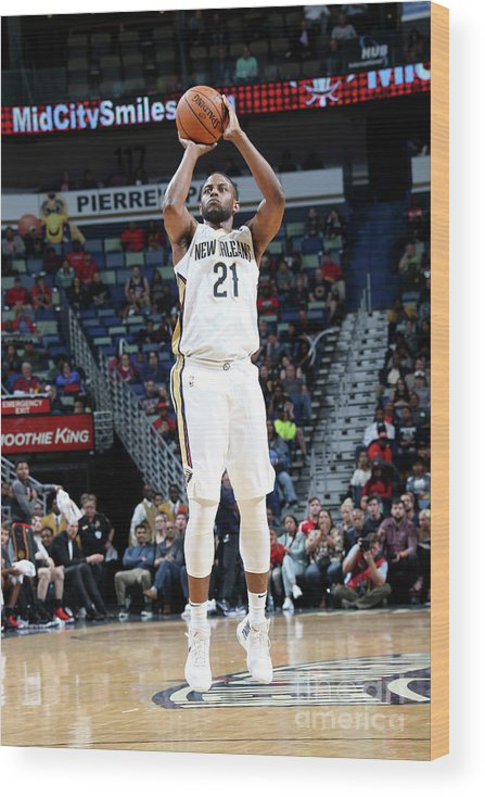 Smoothie King Center Wood Print featuring the photograph Darius Miller by Layne Murdoch