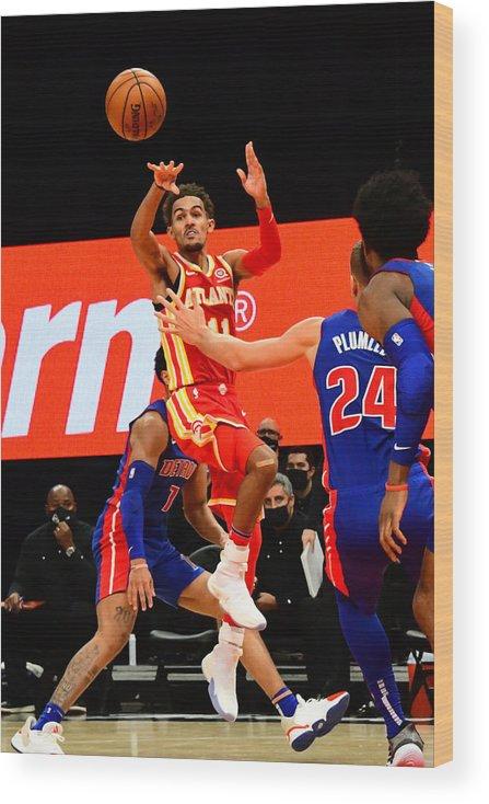Atlanta Wood Print featuring the photograph Detroit Pistons v Atlanta Hawks by Scott Cunningham