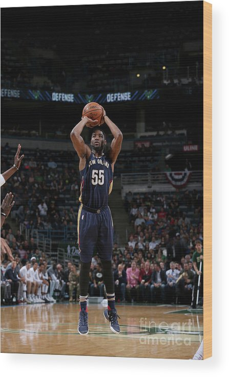 Nba Pro Basketball Wood Print featuring the photograph E'twaun Moore by Gary Dineen