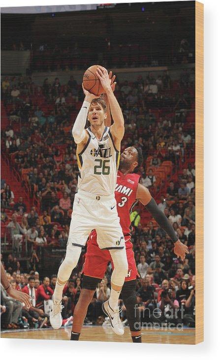 Nba Pro Basketball Wood Print featuring the photograph Kyle Korver by Oscar Baldizon