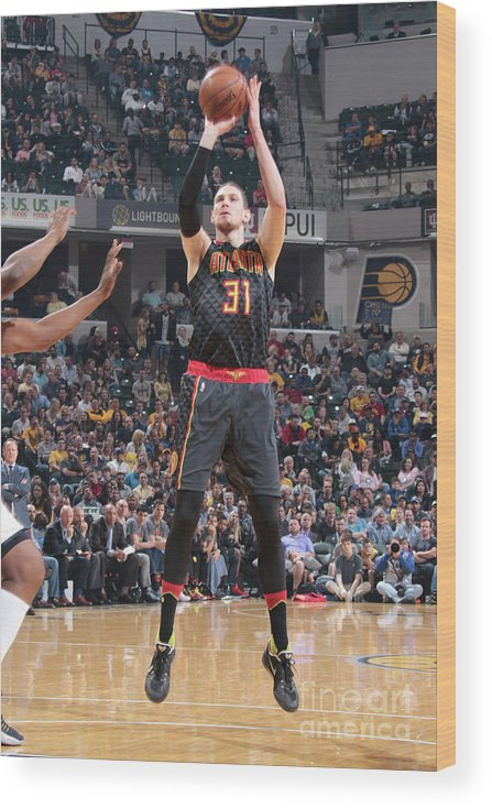 Nba Pro Basketball Wood Print featuring the photograph Mike Muscala by Ron Hoskins