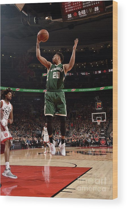 Nba Pro Basketball Wood Print featuring the photograph Rashad Vaughn by Ron Turenne