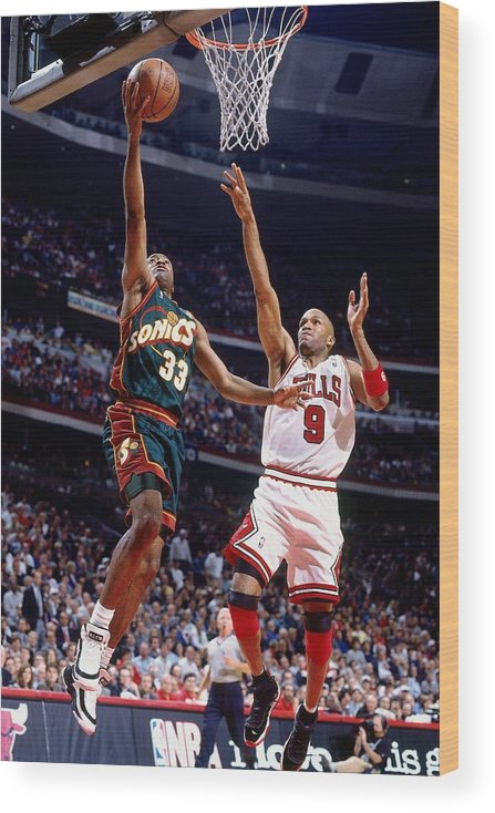 Ron Harper Wood Print featuring the photograph Ron Harper and Hersey Hawkins by Nathaniel S. Butler