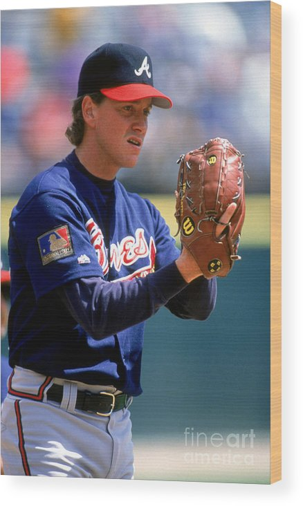 Baseball Pitcher Wood Print featuring the photograph Tom Glavine by Don Smith