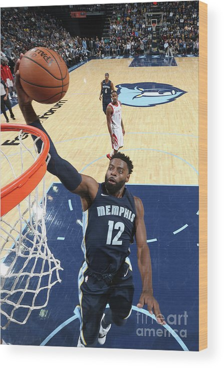 Nba Pro Basketball Wood Print featuring the photograph Tyreke Evans by Joe Murphy