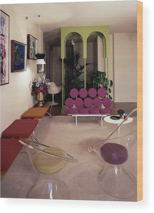 Eugene Tanawa Wood Print featuring the photograph A Retro Living Room by Tom Leonard