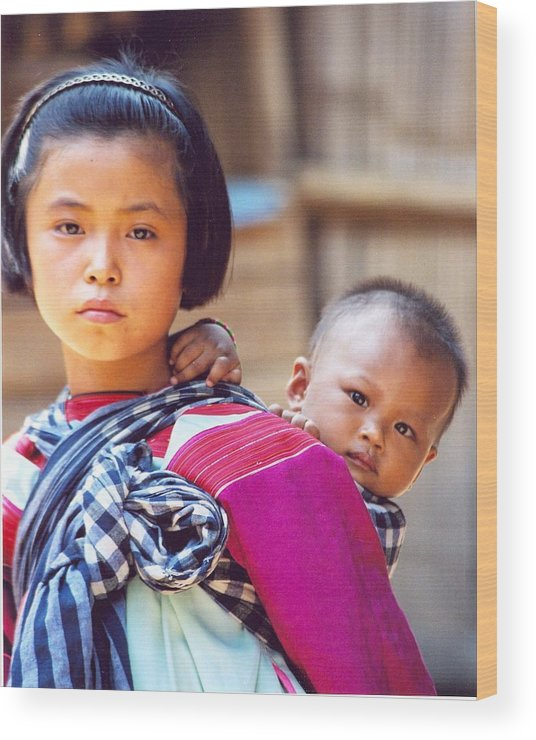 Thailand Children Wood Print featuring the photograph Thai Children by Linda Russell