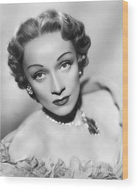 Marlene Dietrich Wood Print featuring the photograph Marlene Dietrich by Bettmann