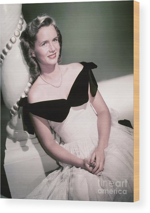 People Wood Print featuring the photograph Actress Debbie Reynolds by Bettmann