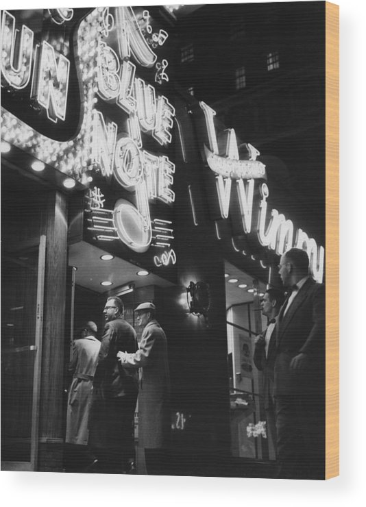 Crowd Wood Print featuring the photograph At The Blue Note Cafe by Chicago History Museum