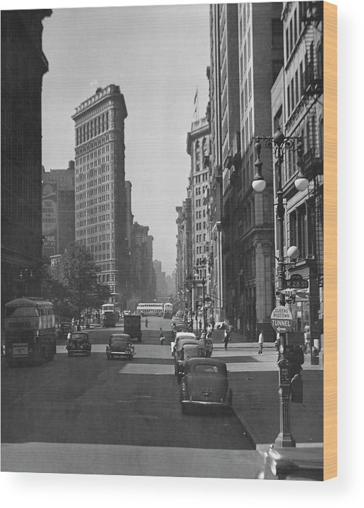 1950-1959 Wood Print featuring the photograph Fifth Ave. And The Flatiron Bldg by George Marks
