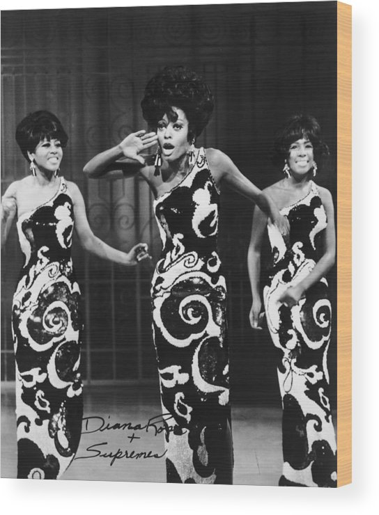Singer Wood Print featuring the photograph The Supremes by Archive Photos