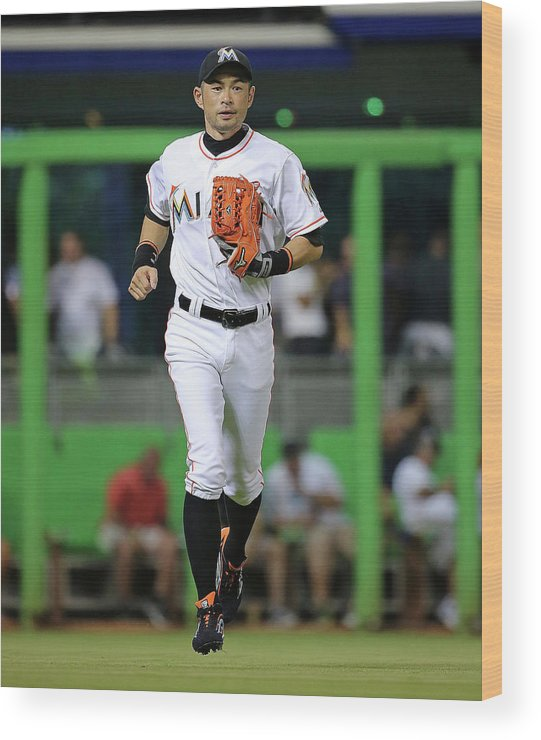 People Wood Print featuring the photograph Ichiro Suzuki by Mike Ehrmann