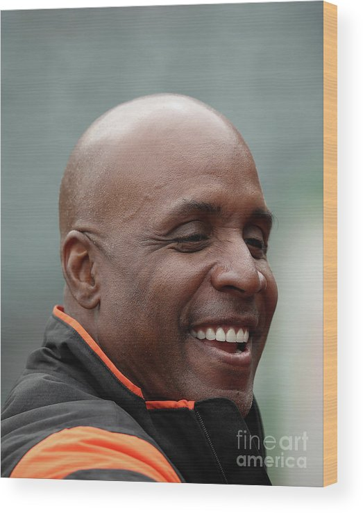 San Francisco Wood Print featuring the photograph Barry Bonds by Ezra Shaw