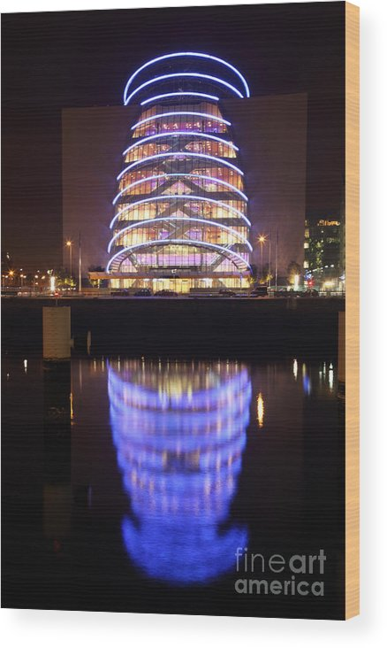 Neon Wood Print featuring the photograph Convention Centre Dublin By Night by Ros Drinkwater