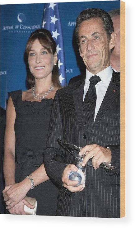 2008 World Statesman Award Ceremony Hosted By Appeal Of Conscien Wood Print featuring the photograph Carla Bruni Sarkozy, Nicolas Sarkozy by Everett