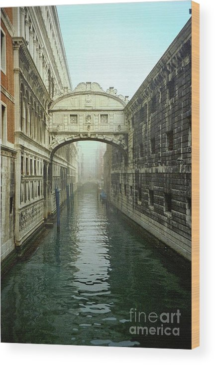 Venice Wood Print featuring the photograph Bridge Of Sighs In Venice by Michael Henderson