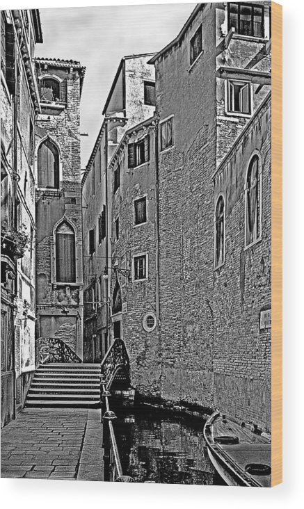 Venice In B&w Wood Print featuring the photograph Venice 2 by Victor Yekelchik