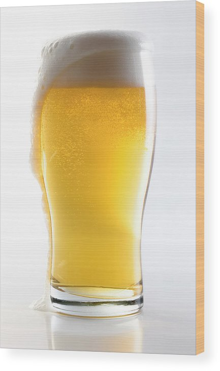 Alcohol Wood Print featuring the photograph Beer Glass Wclipping Path by Carlosalvarez
