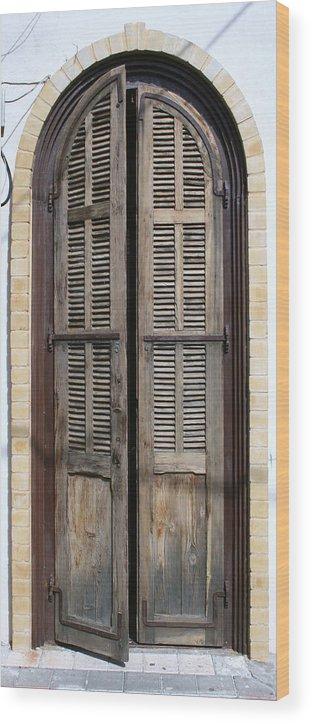 Door Wood Print featuring the photograph An Old Door In Neve Tzedek Tel Aviv by Shlomo Zangilevitch