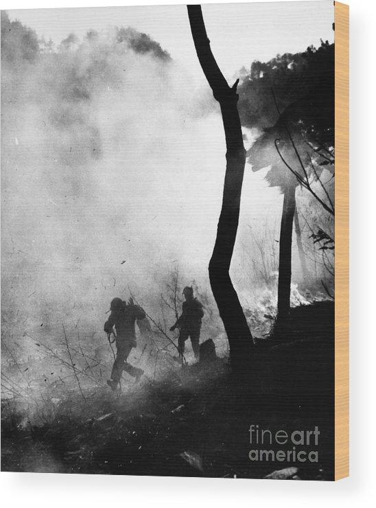 1951 Wood Print featuring the photograph Korean War: Combat, 1951 by Granger