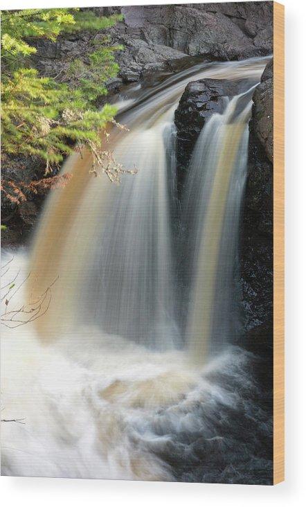 America Wood Print featuring the photograph Usa, Minnesota, Lutsen, Cascade River by Peter Hawkins