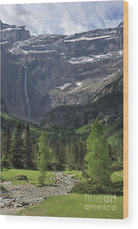 Cirque De Gavarnie Wood Print featuring the photograph 120520p190 by Arterra Picture Library