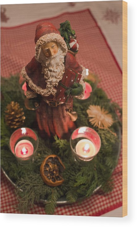 Advent Wood Print featuring the photograph Advent Wreath by Frank Gaertner