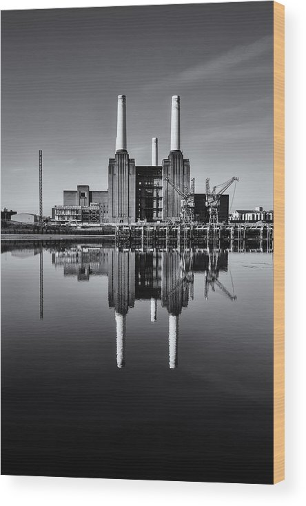 High Quality Wood Print featuring the photograph Battersea Reflection by Stuart Gennery