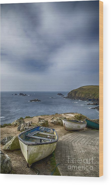 The Lizard Wood Print featuring the photograph Boats At The Lizard by Chris Thaxter