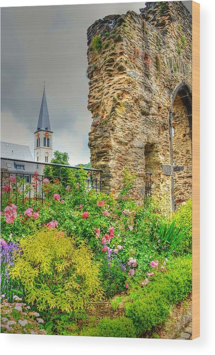 Boppard Wood Print featuring the photograph Boppard Garden Ruins by Linda Covino