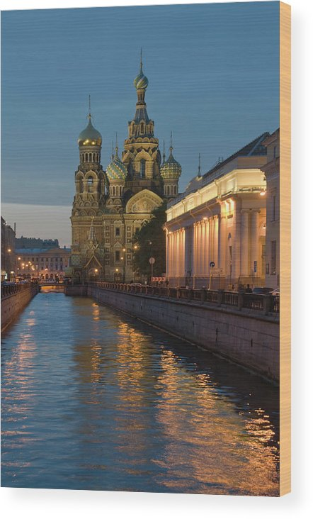 Built Structure Wood Print featuring the photograph Church Of The Saviour On Spilled Blood by Izzet Keribar