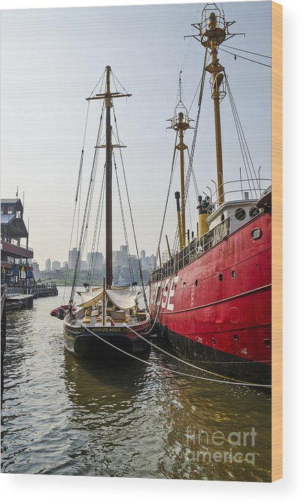 City Harbor Wood Print featuring the photograph Ducking At City Harbor by Zbigniew Krol