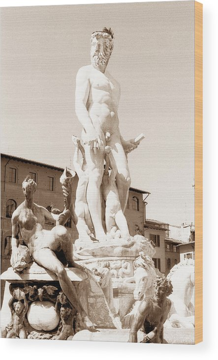 Masculine Wood Print featuring the photograph Fountain Of Neptune Florence by Tom Wurl