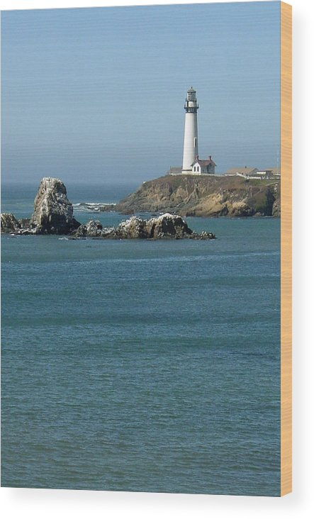 Lighthouse Wood Print featuring the photograph Pigeon Point Lighthouse Near Half Moon Bay-san Francisco by Suzanne Gaff