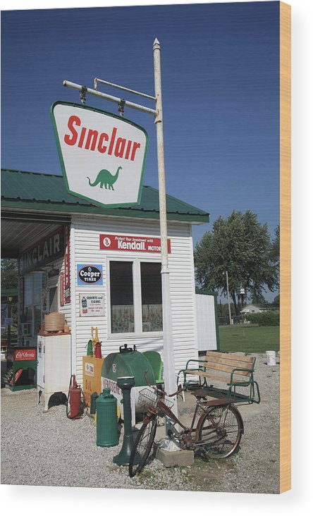 66 Wood Print featuring the photograph Route 66 - Sinclair Station by Frank Romeo