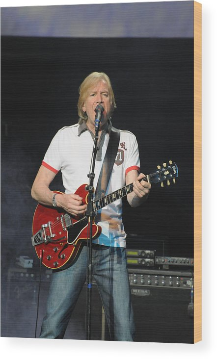 The Moody Blues Wood Print featuring the photograph The Moody Blues Justin Hayward 8-8-2009 by Jim Vallee