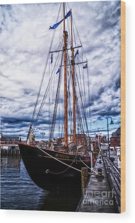 Schooner Wood Print featuring the photograph Virginia In New London by Joe Geraci