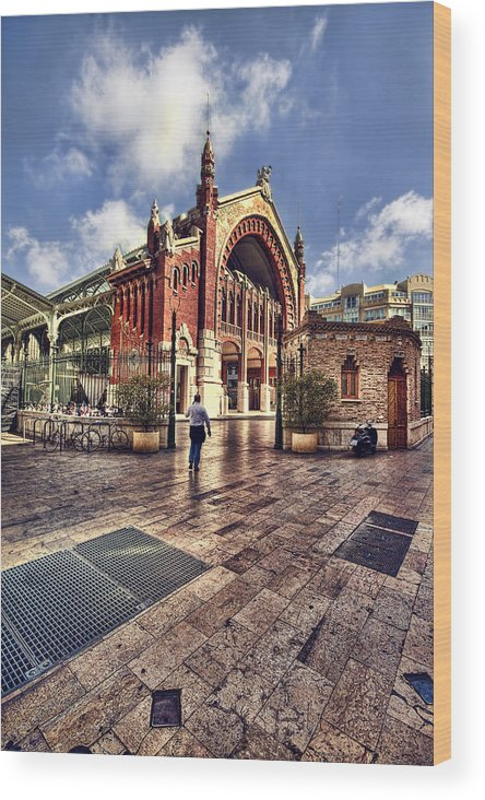 Architecture Wood Print featuring the photograph Columbus Market by Gabriel Calahorra