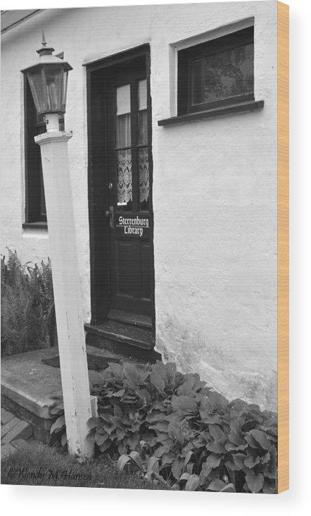 Door Wood Print featuring the photograph Dutch Door by Wendy Hansen-Penman