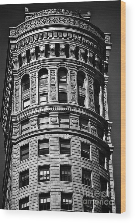 America Wood Print featuring the photograph Historic Building In San Francisco - Black And White by Hideaki Sakurai