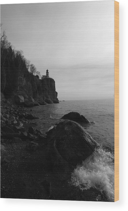 Black-and-white Wood Print featuring the photograph Split Rock Lighthouse Black-and-white by Rick Rauzi