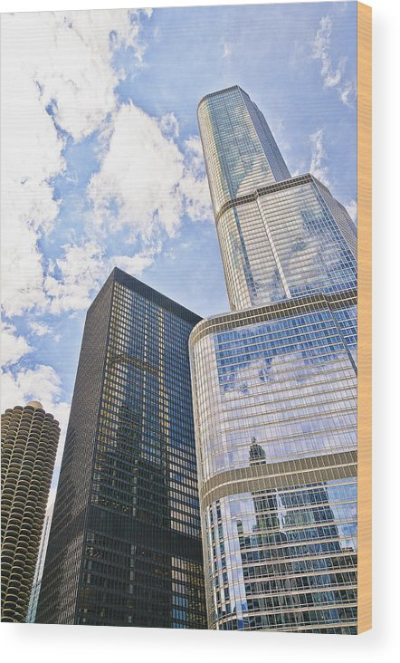Chicago Wood Print featuring the photograph Trump Tower Grabs The Sky by Betty Eich