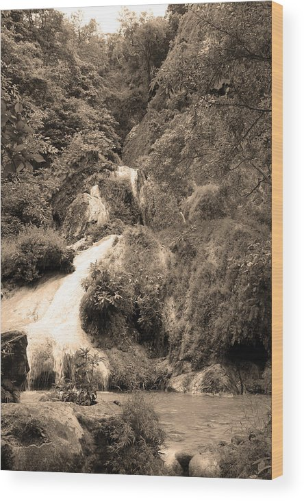 Waterfalls Wood Print featuring the photograph 08005 by Jeffrey Freund
