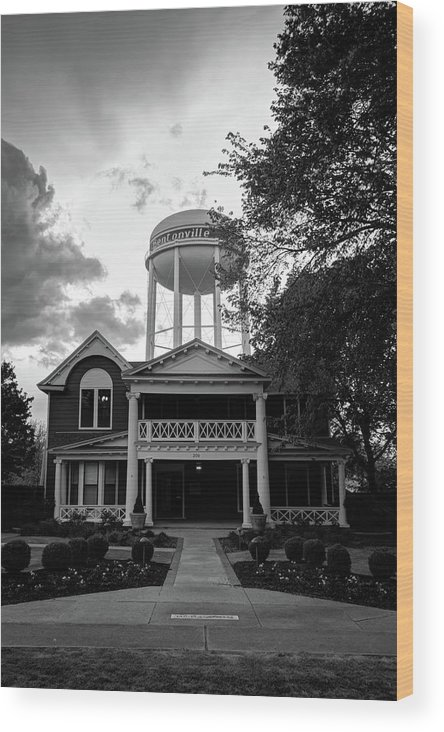 Bentonville Arkansas Wood Print featuring the photograph Bentonville Arkansas Water Tower - Black And White by Gregory Ballos