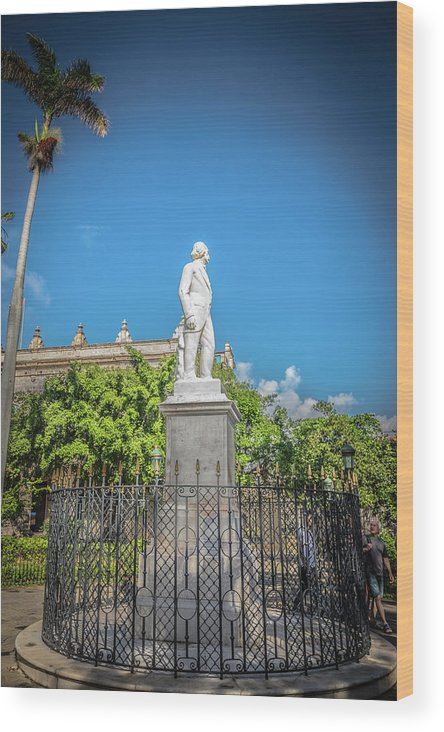 Havana Wood Print featuring the photograph Statue by Bill Howard