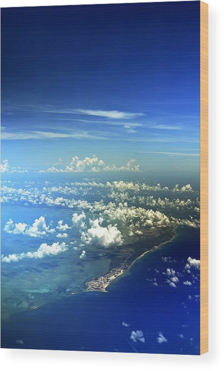 Bahamas Wood Print featuring the photograph A Whole New World by Mandy Wiltse
