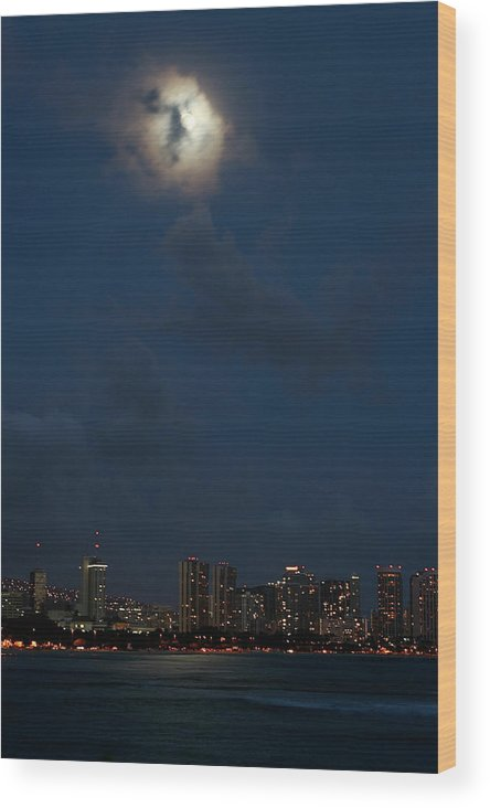Hawaii Wood Print featuring the photograph Eyes Over Hawaii by Eddie Freeman